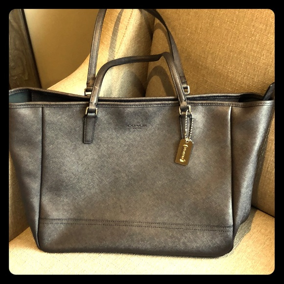 Coach Handbags - Coach Saffiano Tote